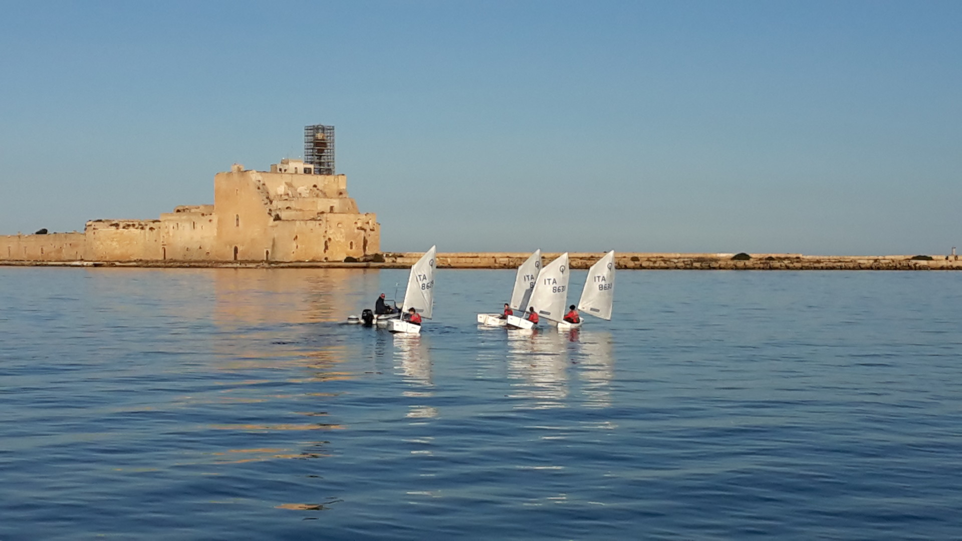 Scuola-di-vela-lega-navale-LNI-Brindisi (2)