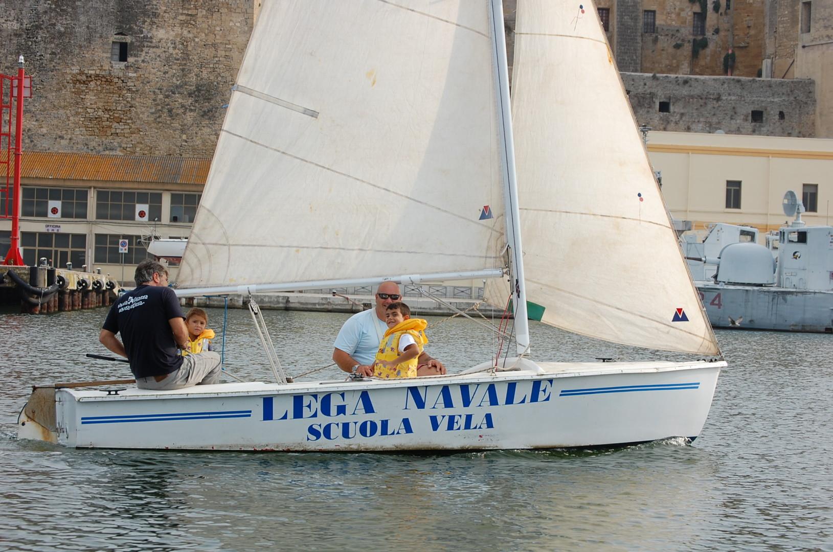Scuola-di-vela-lega-navale-LNI-Brindisi (21)